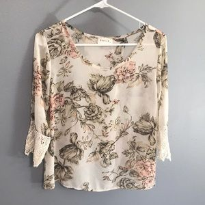 Poetry 3/4 Sleeve Floral Top sz M